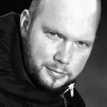 FILMAKADEMIE BADEN-WÜRTTEMBERG feiert 25-jähriges Jubiläum mit 52 ausgewählten Alumni Portraits! Diese Woche im Portrait: Szenenbild-Absolvent CHRISTIAN STRANG